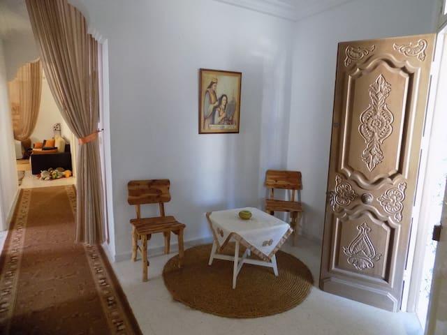 S+3 meublé de 216m² à Nabeul Centre Ville - Nabeul - Leilighet