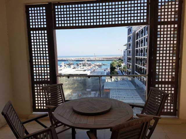 FABULOUS 3 bed apt with Sea view and The Walk view