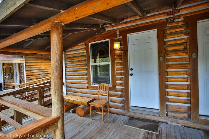 Cabin 7 in Rockies on Colo River at State Bridge