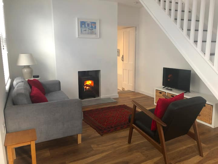 Jago's Cottage - sleeps 3 in the heart of Falmouth