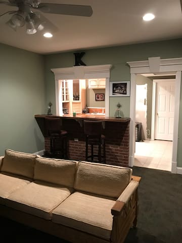 Private finished basement. - Batesville - Ev