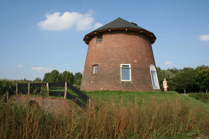 Torentje van Trips, overnachten in een watertoren. - Tripscompagnie, Groningen - Leuchtturm