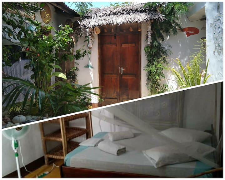 XL room in cute villagehouse-1Queen bed&Private WC