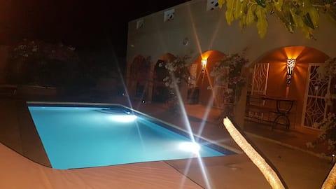Jolie Villa avec Piscine à La SOMONE, SENEGAL