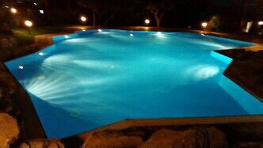 loft con spettacolare piscina - Genova