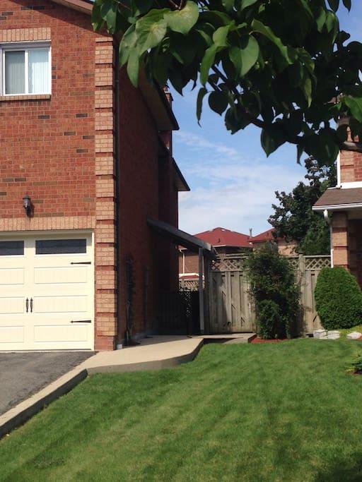 Private Smoke Free Basement Apartment 1 Bedroom Apartments For Rent In Brampton Ontario Canada