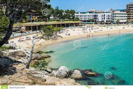 Comfortable spacious apartment near the beach/Pool - Sant Antoni de Calonge - Apartamento