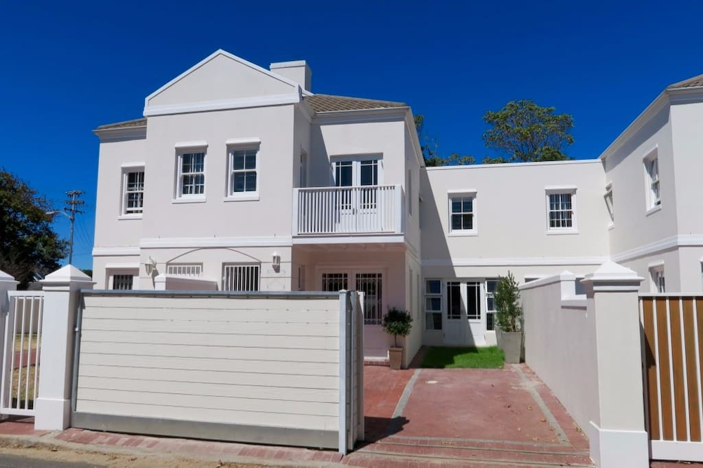 A beautiful Rondebosch home