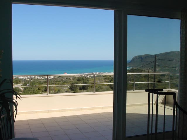 PLEASE SEE DESCRIPTION ABOUT BOOKING THIS VILLA