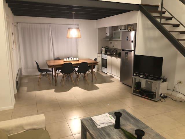 Moderno departamento para parejas Bajo San Isidro