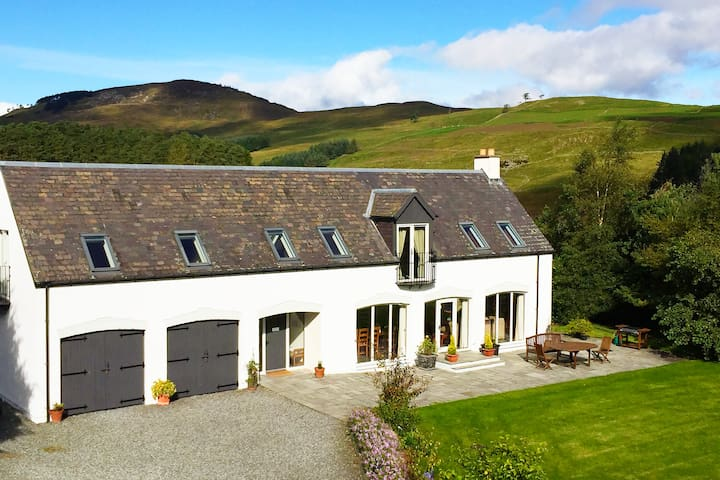 A perfect rural hideaway in the heart of Scotland!