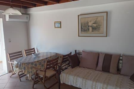 Beautiful apartment - Analipsi - Apartemen