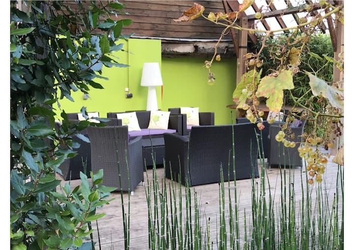 """ Zi Villa "" - Les Jardins d'Ilona - gite- Piscine"