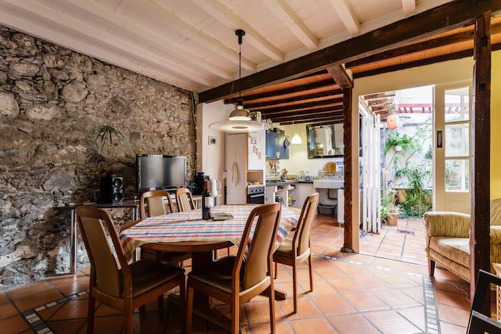 Homely , cozy house in the center - Santa Cruz de La Palma - Hus
