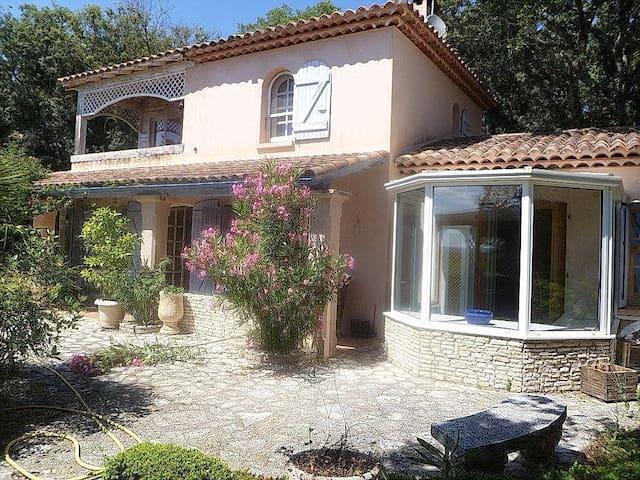 """Bienvenue dans """"la Maison en Chemin""""! - Saint-Mathieu-de-Tréviers - Villa"""