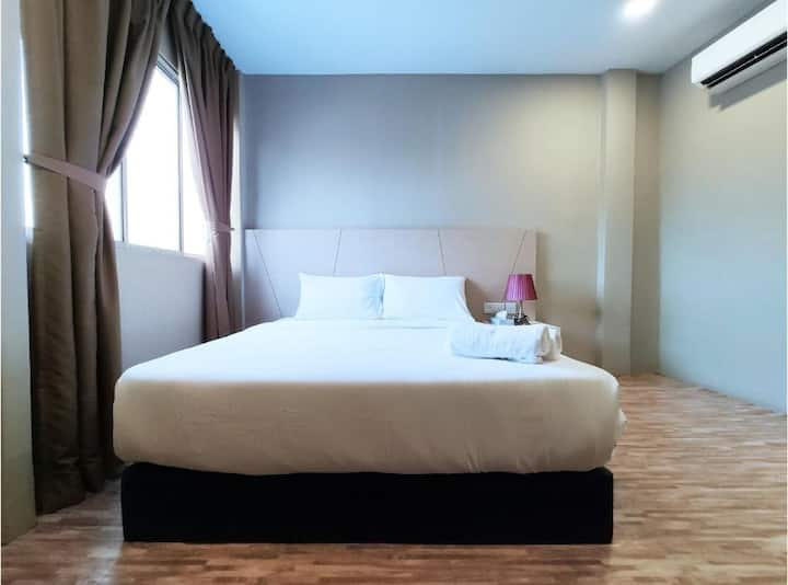 Comfy Superior Room at Princess Hotel Pontian