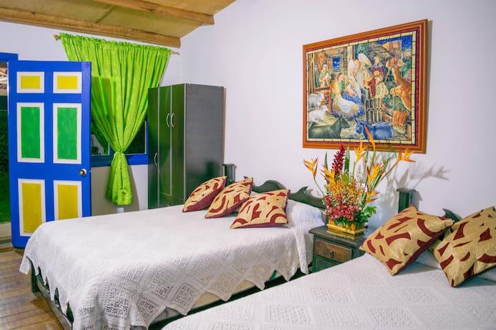 Habitación familiar para 5 personas en Azulinas