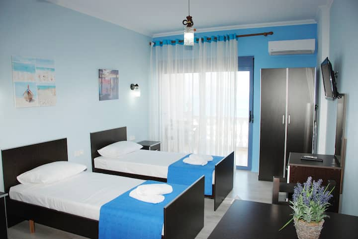 Hotel Keos Twin room with sea view