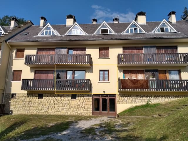Apt. with 2 terraces/in mountains/ skiing, hiking