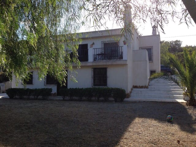 Cálida casa de campo en La Marina. Alicante - Alicante - Hus