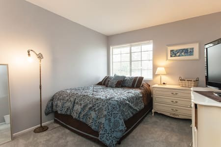Private Room in Spacious Coastal Townhome! - Oceanside - Maison