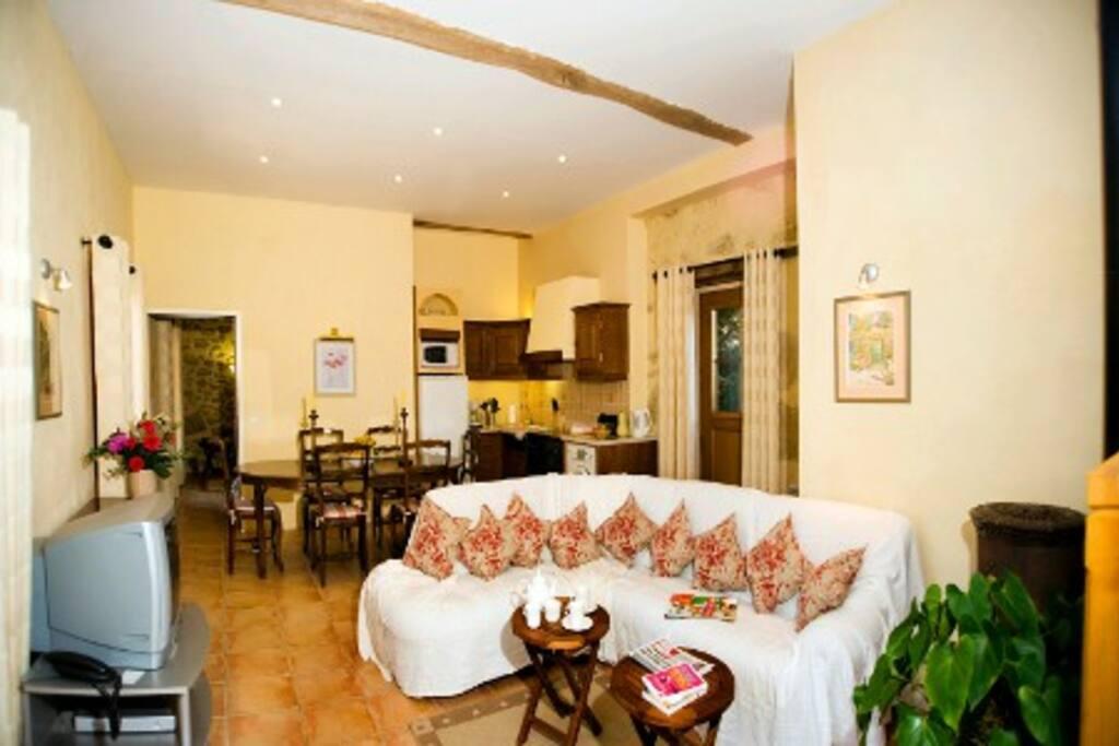 La Grange - Open Plan Living Room/Kitchen