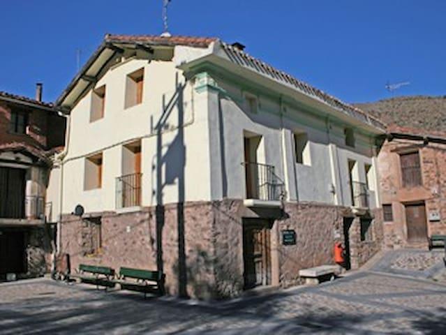 Casa rural muy equipada en Cabezón de Cameros.