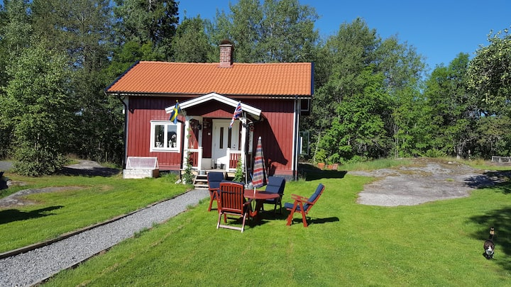 Mysigt torp i Åmmeberg vid Vättern