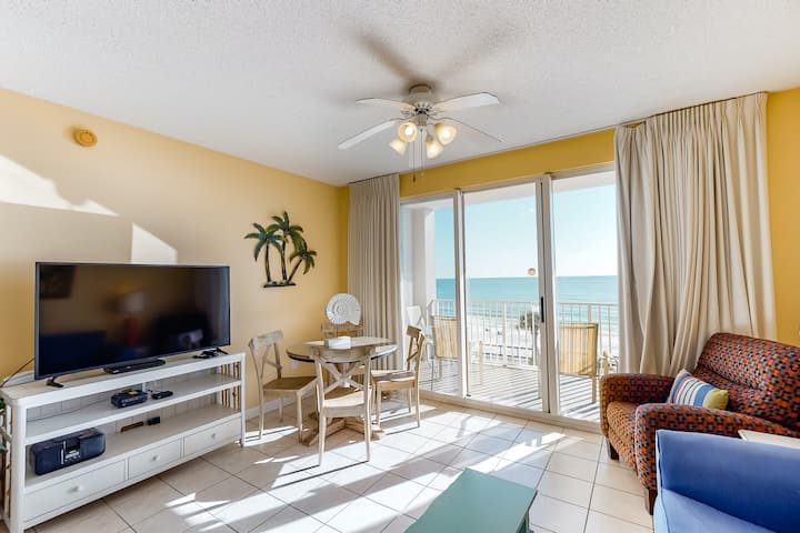 Bright, Updated gulf view condo, Stunning views, Close to entertainment