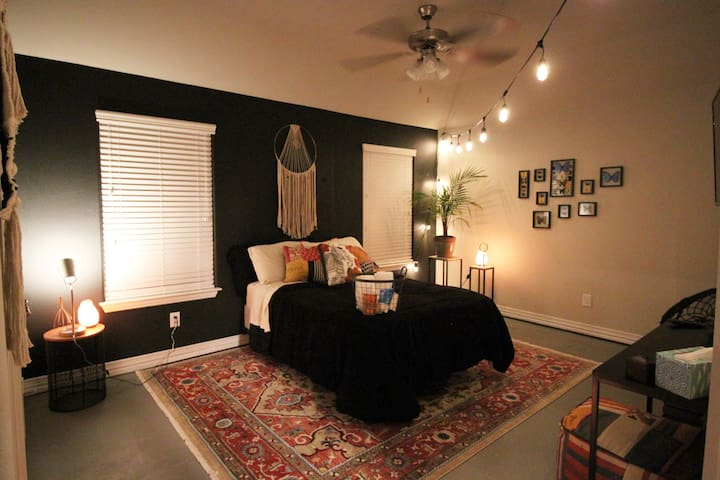 Downtown Fort Worth Retreat!