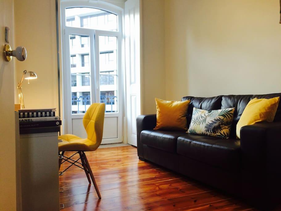 Office with sofa-bed - Escritório com sofá-cama