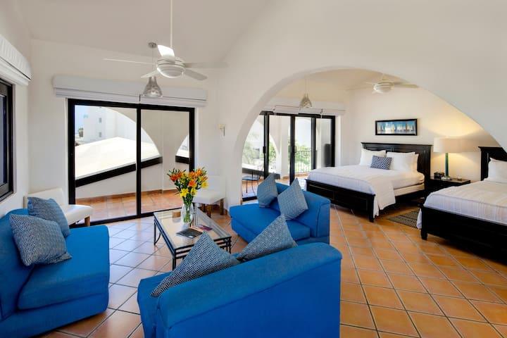 Crow's Nest Suite by La Marina Inn