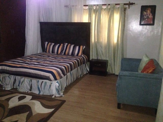Kasys Guest House Fully furnished house 0727160267