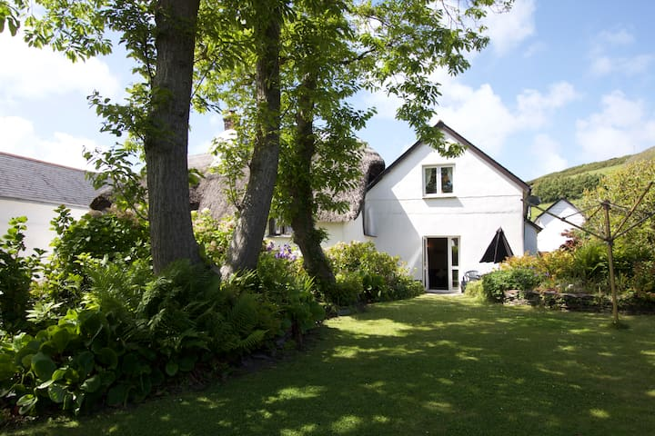 Spacious Annexe at Manor Cottage, Croyde Village - Croyde - Hus
