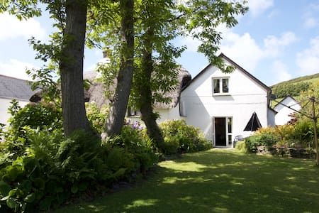 Cosy Cottage in Croyde Village - Casa
