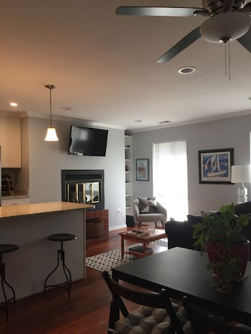 Renovated Condo steps away from Camden Yards