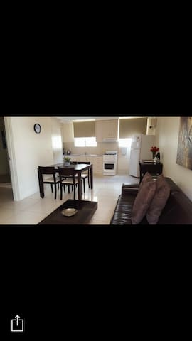 Kangaroo Point Holiday Apartments - Kangaroo Point