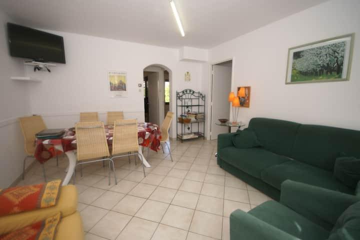 Tranquila casa de vacaciones en Vic-sur-Seille cerca del bosque