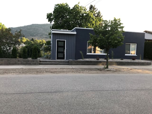 Paradise in Wine Country - 2 mins to Main Street