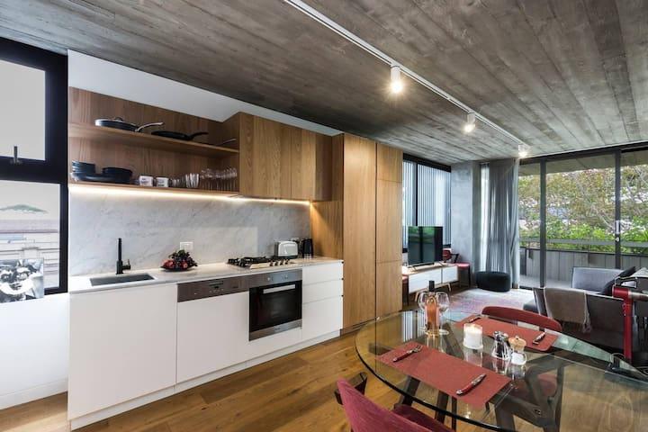 New 1 Bedroom Apt in the Heart of Surry Hills