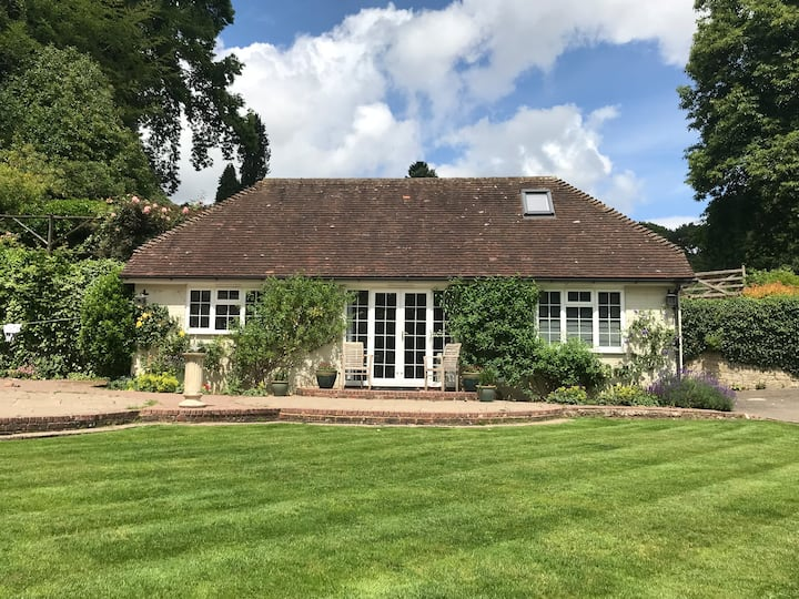 Stunning cottage in 30 acres, central Haslemere!