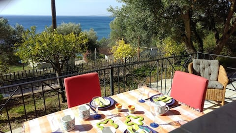 Secluded cottage by  the sea - Halkidiki Gerakini