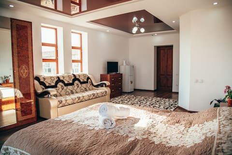 Elbrus Hotel in Cholpon-Ata