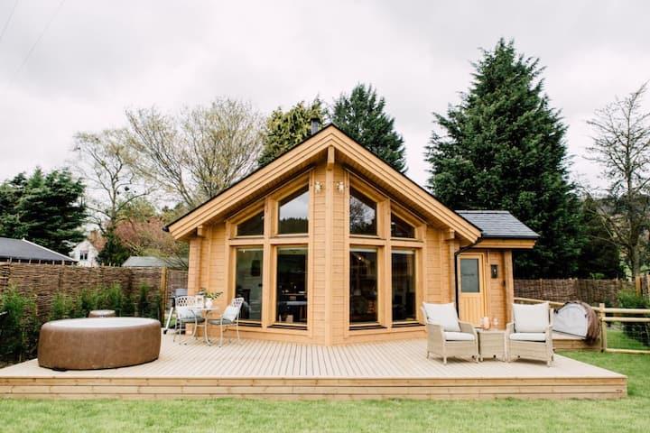 Cwtch - Log Cabin