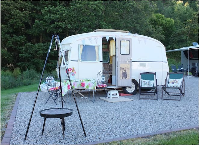 Vintage Caravan Hire for Campsite Holidays