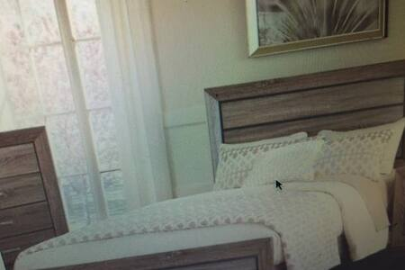 Private Non-Smoking Guest Room, comfortable/Cozy . - Rancho Cucamonga