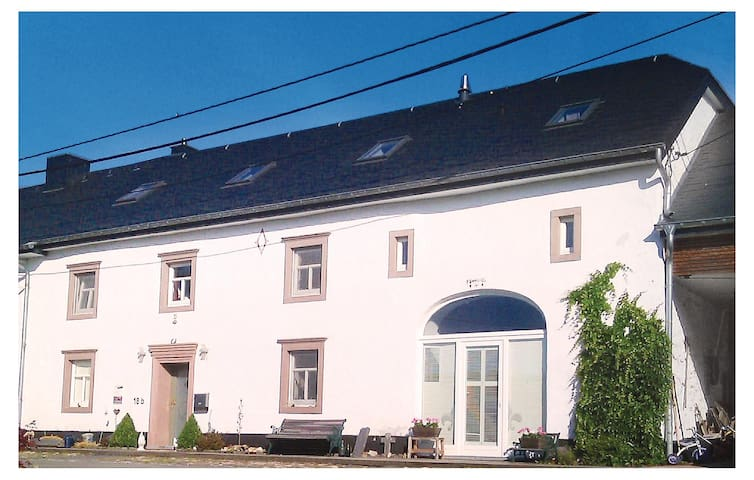 Holiday apartment with 3 bedrooms on 100 m² in Burg-Reuland