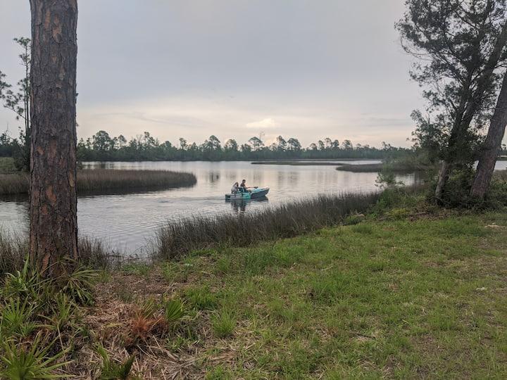 Full apartment on bayou, 20 mins to beaches & PCB