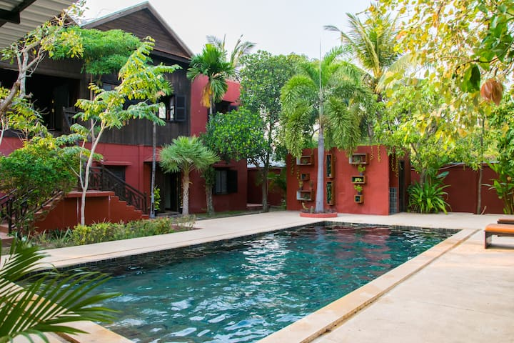 Authentic Khmer Home, Great Outdoor Area, BBQ Pool - Krong Siem Reap