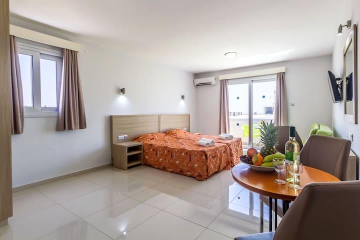 Room layout - Bedroom